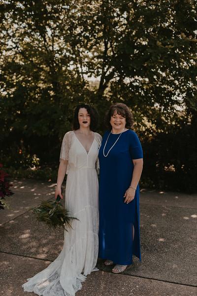 Bride Family Portraits-15.jpg