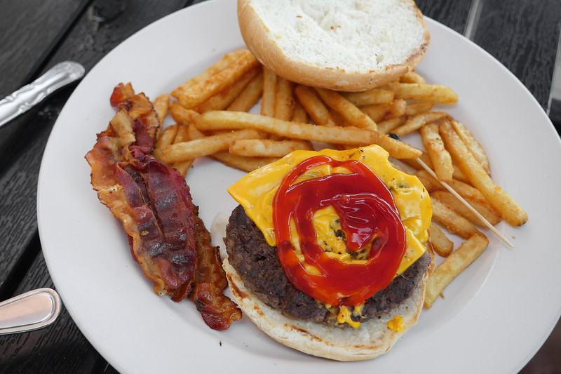 Bacon Cheeseburger - open