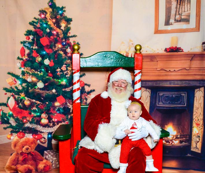 Santa Elmore 2016-12189.jpg