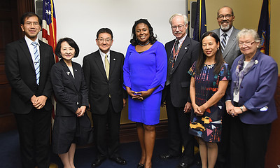 Mayor Warren Greets Hamamatsu Delegation - 10/5/2016
