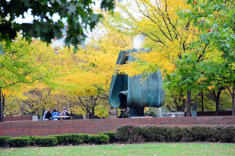 Memorial fountain4035.jpg
