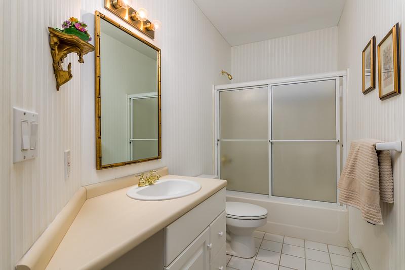 30-Bath 1.jpg