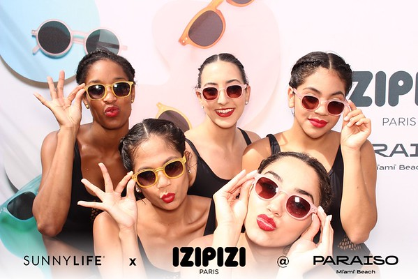 SunnyLife x Izipizi Pool Party
