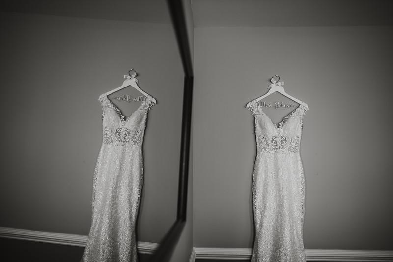 CAITLYN AND COLBY - BACKYARD WEDDING - 12.jpg