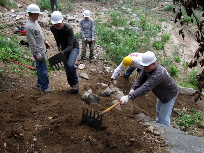 20101107002-El Prieto trailwork.JPG