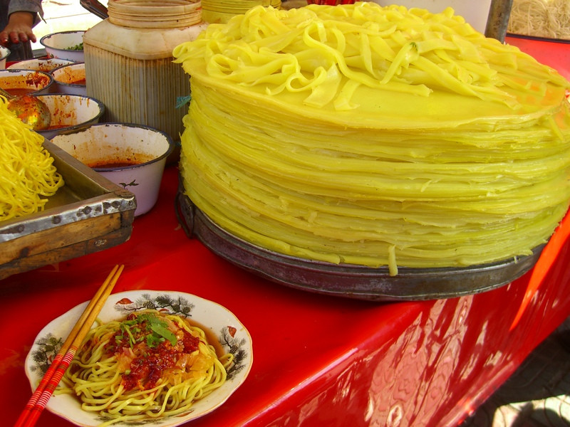 Xinjiang Food: Yellow Noodles - Kashgar, China