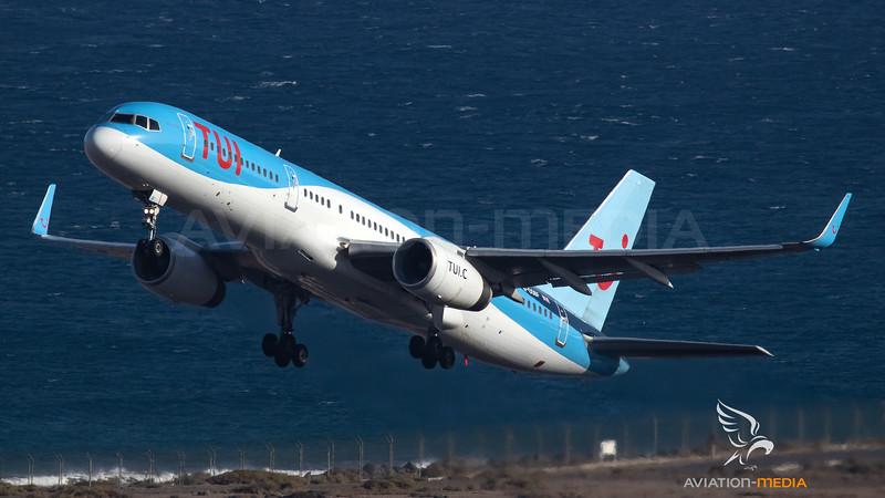 TUI Airlines UK Boeing B757-200 G-OOBF