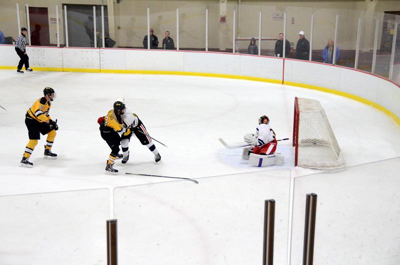 141004 Jr. Bruins vs. Boston Bulldogs-182.JPG