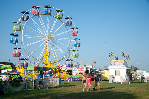 08/24/18 Wesley Bunnell | Staff The Ferris Wheel at the Terryville Fair on opening day on Friday.