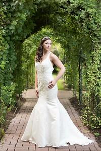 Nashville Bridal Portraits at Riverwood Mansion