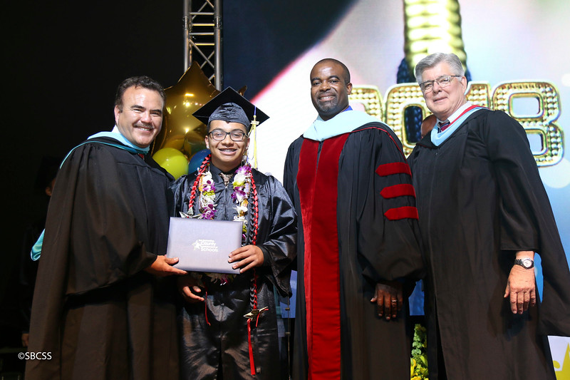 20180615_StudentServGrad-diplomas-112.jpg