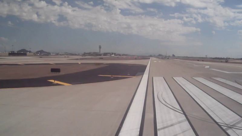 "Alaska Airline ""Timbers Jet""  departing Phoenix Sky-Harbor (KPHX) 09/2014"