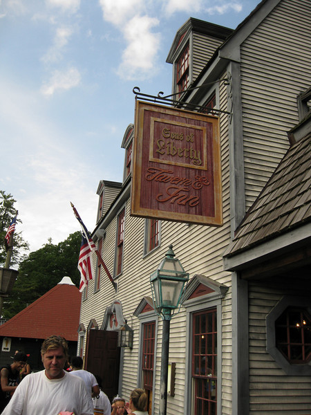 The Sons of Liberty Tavern, my favorite attraction at the park.