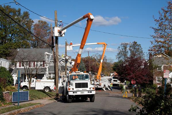 Florida Power Co crew working in Hackensack, 11-04-12