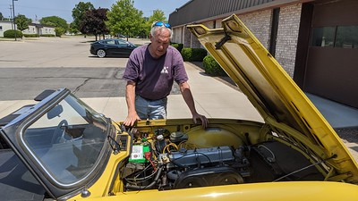 2020-06-20 - Fixing Yellow TR6 running & painting Red MGB