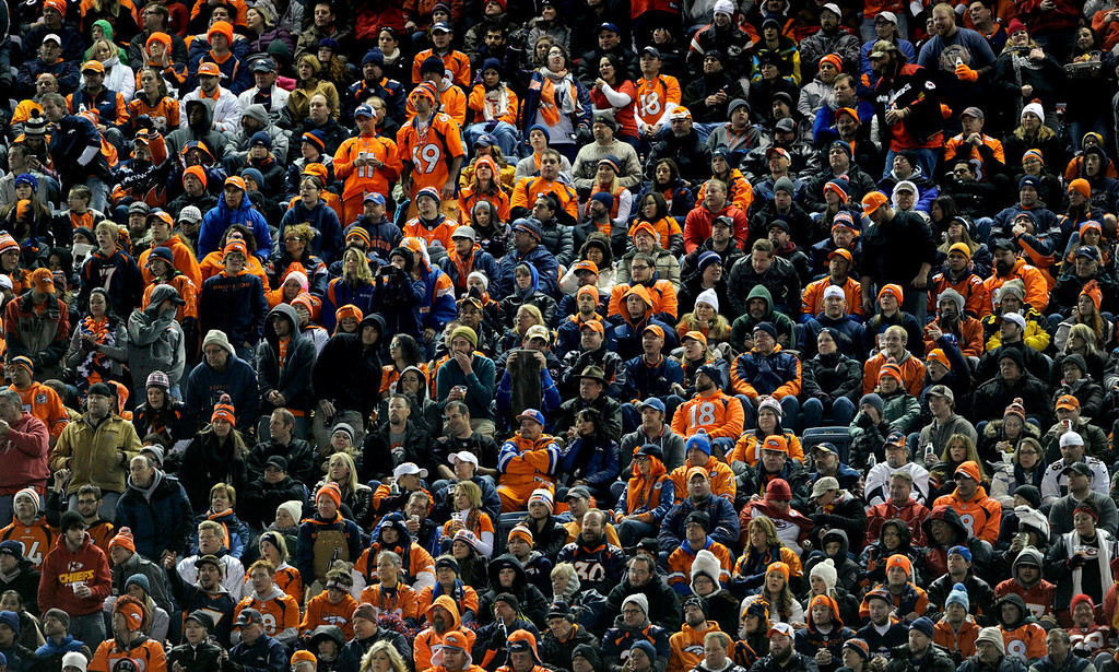 . Crowds fill the stadium to watch the Denver Broncos take on the Kansas City Chiefs at Sports Authority Field on Nov. 17, 2013. (Photo By Erin Hull/The Denver Post)