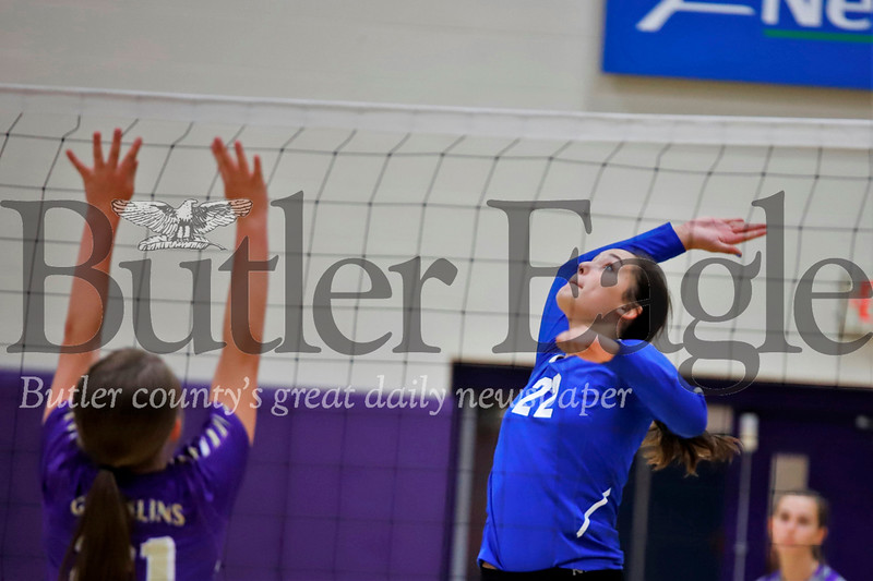 Meah Ielase of AC Valley reaches for a spike over Karns City Thursday. AC Valley topped the Gremlins 3-0  at Karns City. Seb Foltz/Butler Eagle