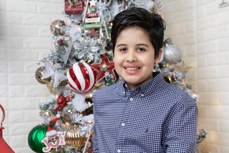 12.21.19 - Fernanda's Christmas Photo Session 2019 - -44.jpg