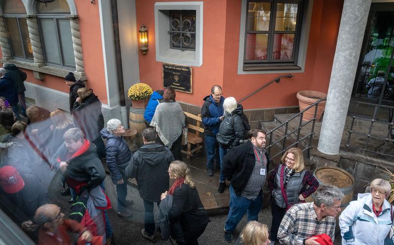De-busing in the tourist center near Schwangau