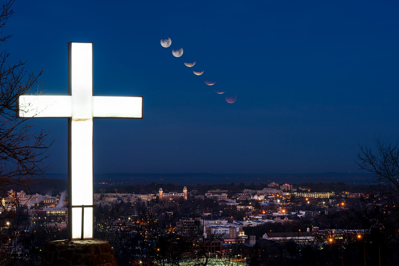 Mt Sequoyah lunar eclipse composite-.jpg