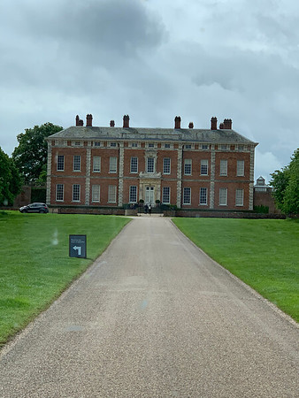 NT - BELLINGBROUGH HALL & GARDENS