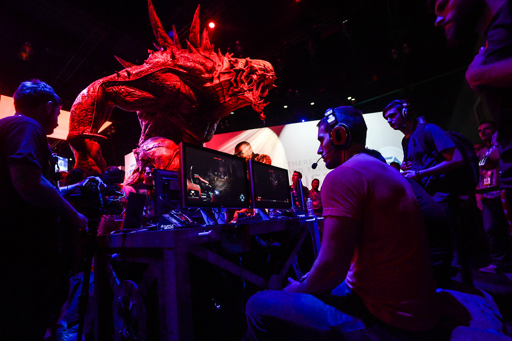 ". Games play the video game ""Evolve\"" at the Electronic Entertainment Expo in Los Angeles on Tuesday, June 10, 2014. (Photo by Watchara Phomicinda)"