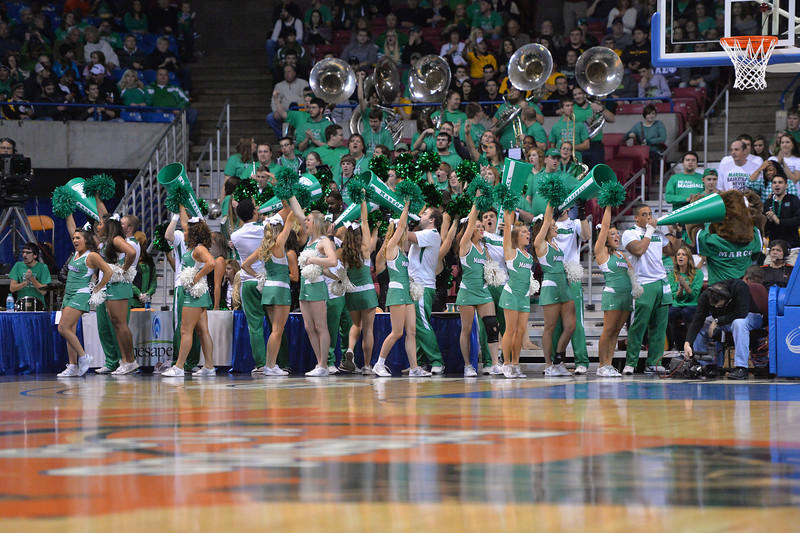 cheerleaders3440.jpg