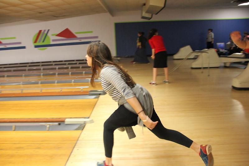 kars4kids_thezone_camp_GirlDivsion_trips_Bowling (14).JPG
