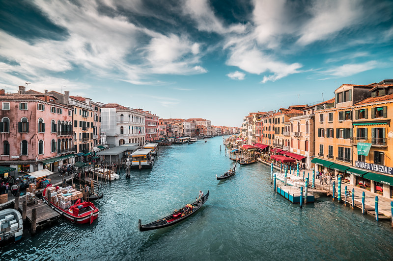 canal-grande-with-gondolas-in-venice-picjumbo-com.jpg