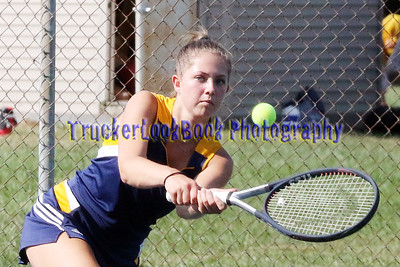 Girls Tennis / Perkins