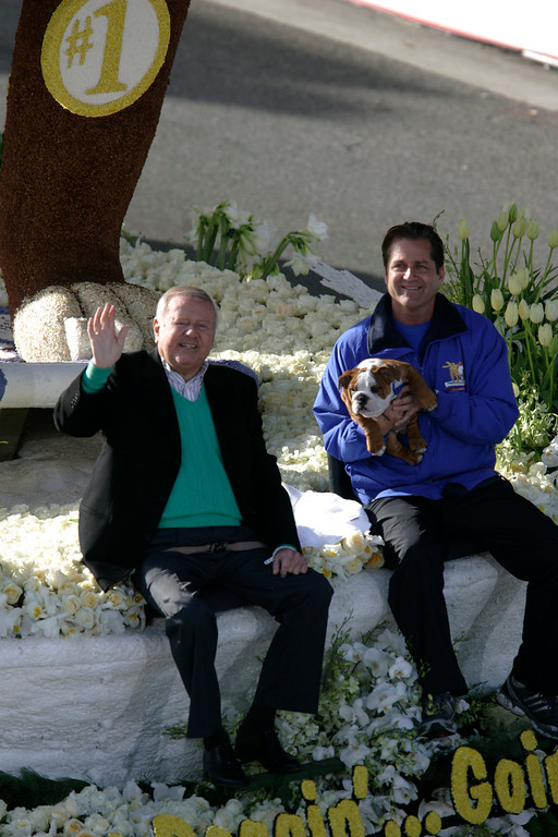 . Dick Van Patten\'s Natural Balance Pet Foods float during the 121st Tournament of Roses Parade in Pasadena, on New Year\'s Day, January 1, 2010 (SGVN/Staff Photo by Eric Reed/SXCITY)
