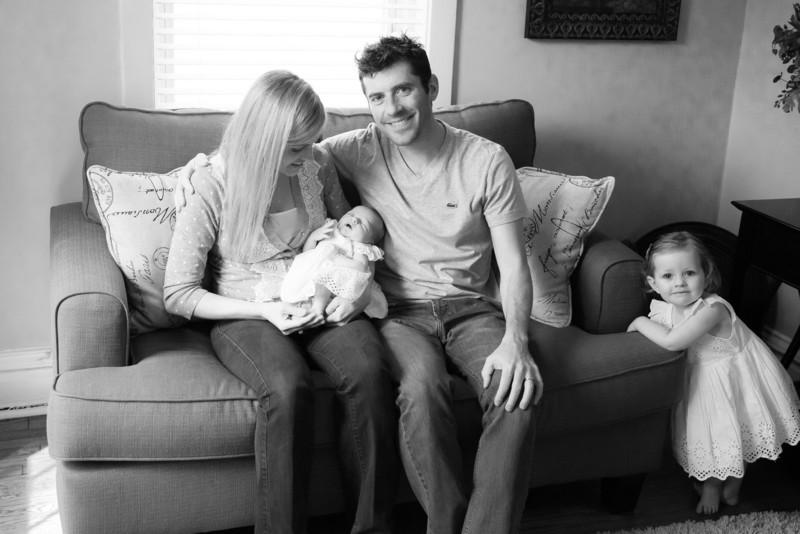 2014.03.30 Whitney Kronforst Newborn Photos B-W 04.jpg