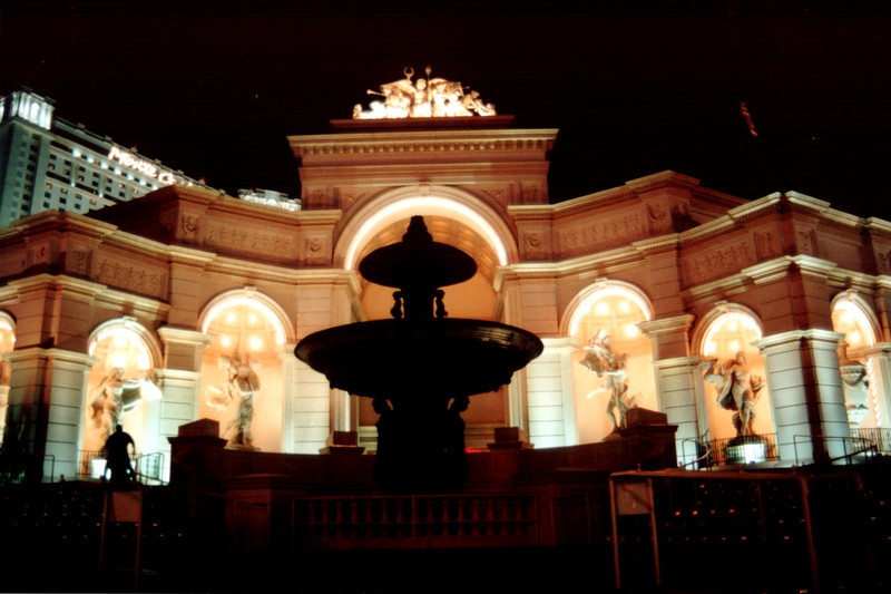 Fountain and Statues.jpg