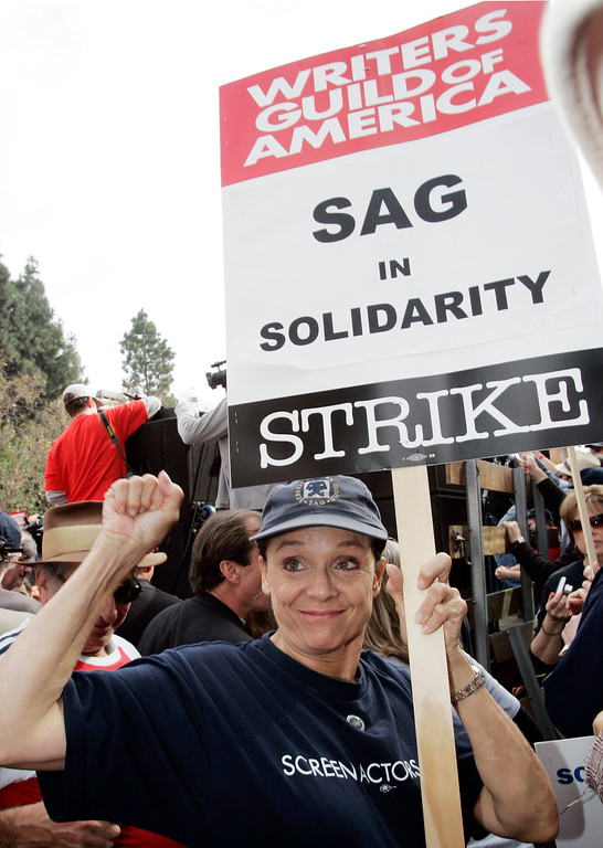 . Actress and Screen Actors Guild member Valerie Harper shows support of thousands of Writers Guild of America (WGA) writers and others in the fifth day of their strike against the Alliance of Motion Picture and Television Producers (AMPTP) in a rally at Fox Plaza in Los Angeles\' Century City district Friday, Nov. 9, 2007.  (AP Photo/Reed Saxon)
