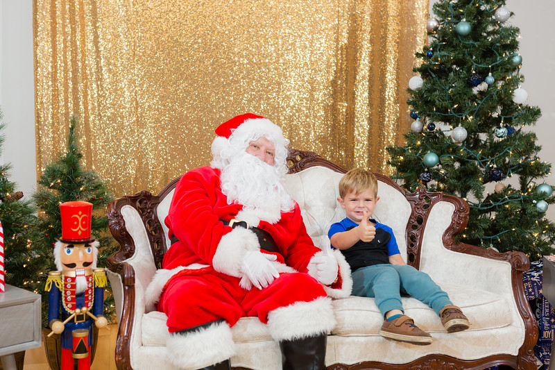 FADS Picture with Santa-352.jpg