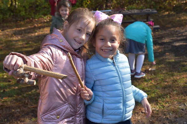 WLS Grades 1 & 2 Field Trip to Teatown Reservation - October 21, 2019