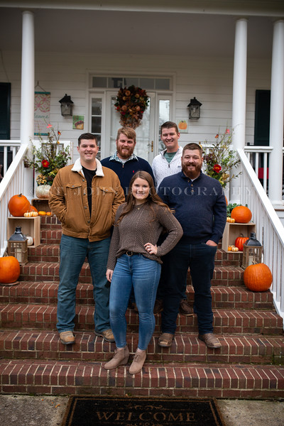 2019 November Ellis Family-170-182.jpg