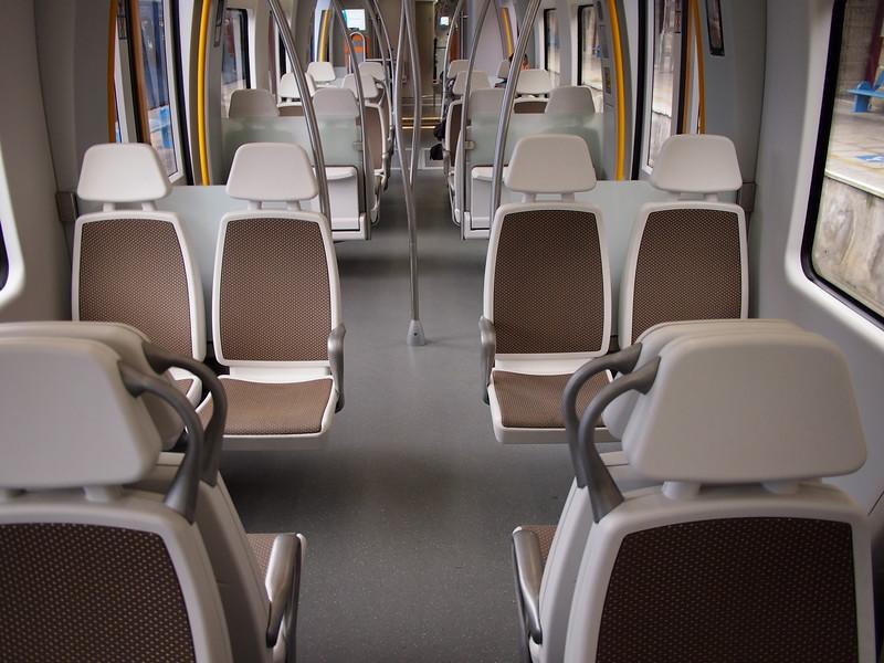 P7235892-euskotren-seats.JPG