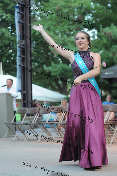 Black Hawk County Fair Queen Rachel Bauler, 16, of Hudson, participates in the 2017 Iowa State Fair Queen Coronation Ceremony on Aug. 12. (Iowa State Fair/ Steve Pope Photography)