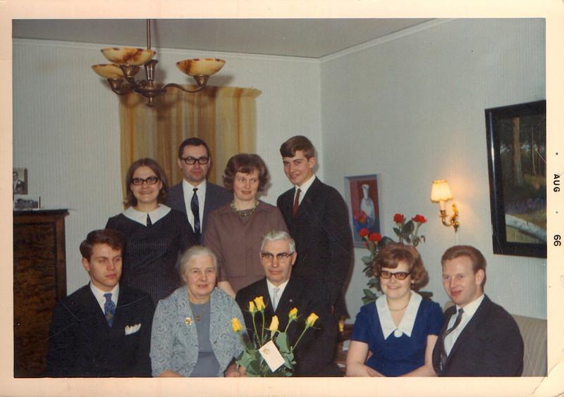Familjen Gertrud och Fridolf Nilsson 1966