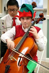 Cello Caroling