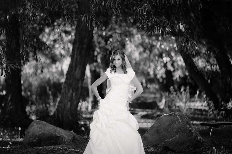 Amy Bridals 075bw.jpg