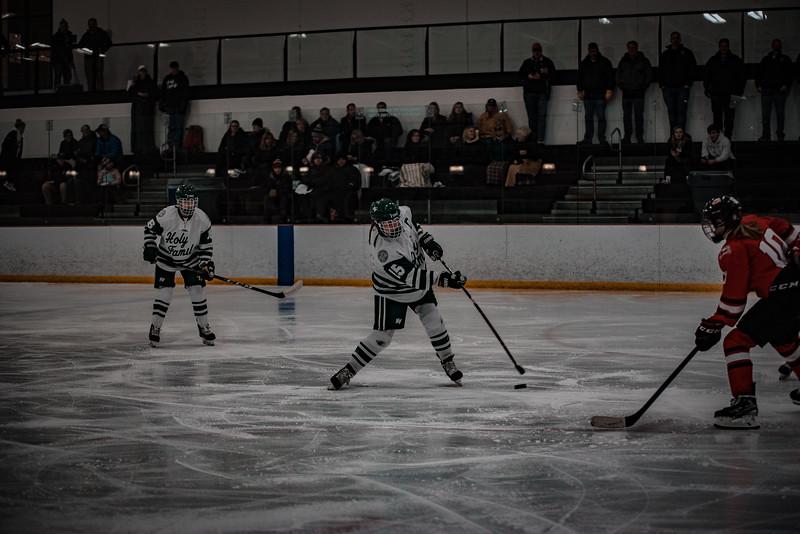 Holy Family Girls Varsity Hockey vs. Mound Westonka, 12/10/19: Lauren Hickey '20 (15)