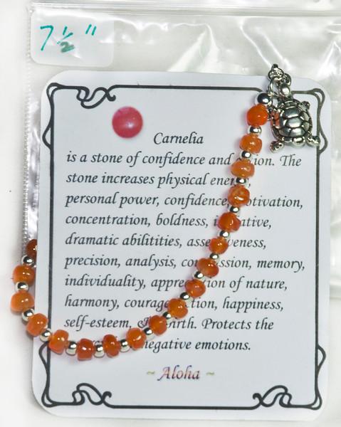 Carnelia with turtle pendant