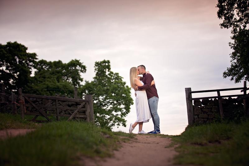 Sarah & Daniel E-Shoot_041-2.jpg