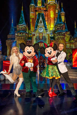 'The Disney Parks' Magical Christmas Celebration' on ABC brings parade, performances and more