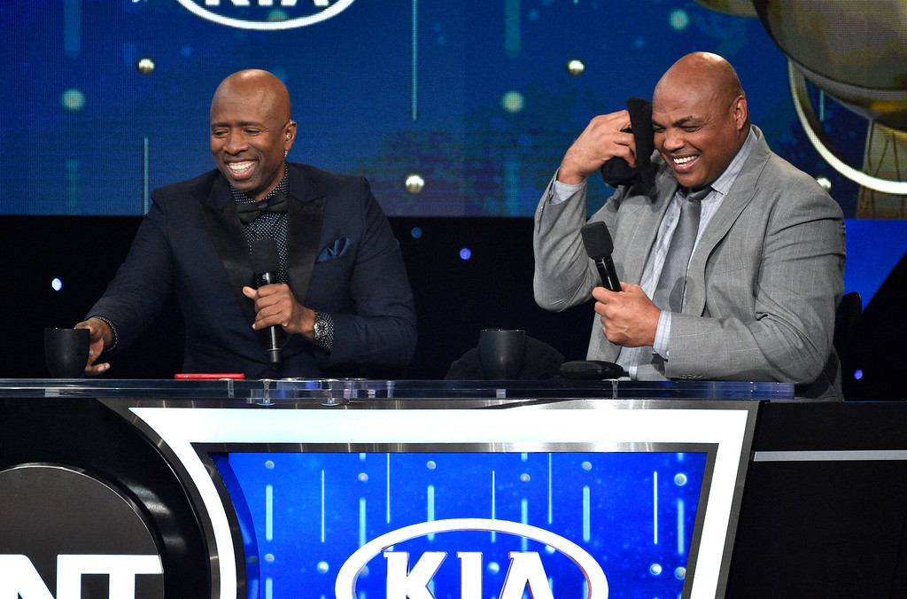 . Kenny Smith, left, and Charles Barkley speak at the NBA Awards on Monday, June 25, 2018, at the Barker Hangar in Santa Monica, Calif. (Photo by Chris Pizzello/Invision/AP)