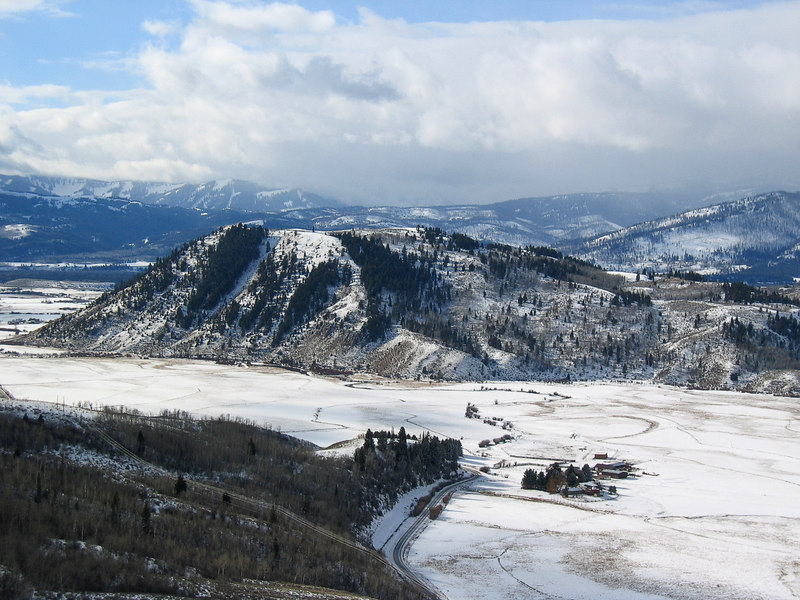 Jackson Hole from the Armangani   (Dec 11, 2006, 11:49am)