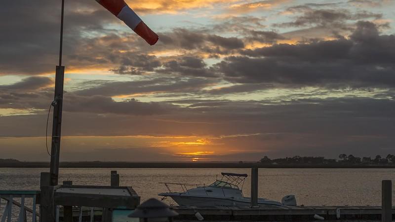 tybee_tj_sunset_h264-420_1080p_29.97_MQ.mp4
