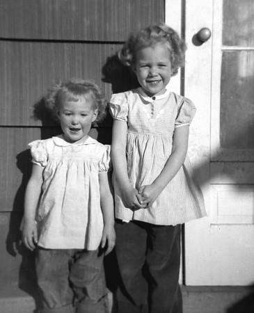 1952-d-TJ & Suzanne.jpg